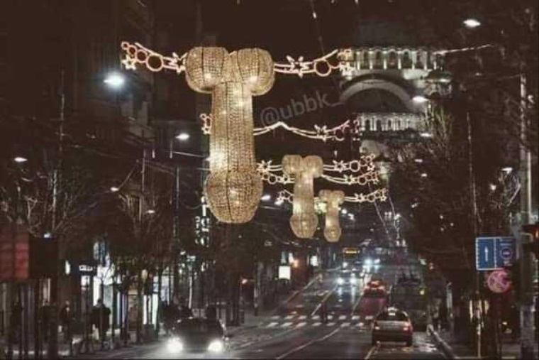 Veľmi zvláštne vianočné dekorácie
