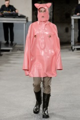 Takto sa majú podľa módnych návrhárov obliekať muži