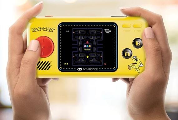 Vyskúšali sme si retro handheld PAC-MAN Pocket Player