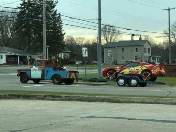 Mater a McQueen predsa existujú!