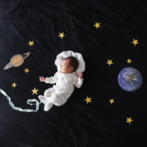 Malé dieťa môže byť čímkoľvek ... keď spí.