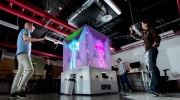 Microsoft uk�zal Cube,  kinectov� kocku