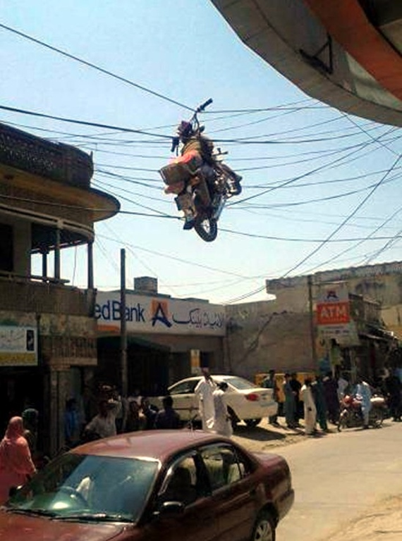 Kde som to zaparkoval t� motorku?