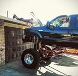 Sa ma p�tali ako opravujem svoj monster truck
