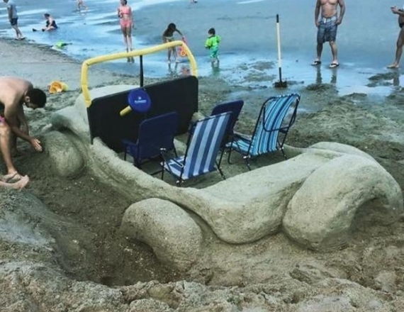 Keď sa na pláži nudíte...