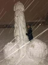 Každý zo snehu stavia to čo sa mu páči