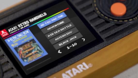 Atari Retro Handheld vyšiel s desiatkami titulov pre nostalgických hráčov