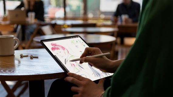 Apple poohlasovalo nové verzie svojich zariadení