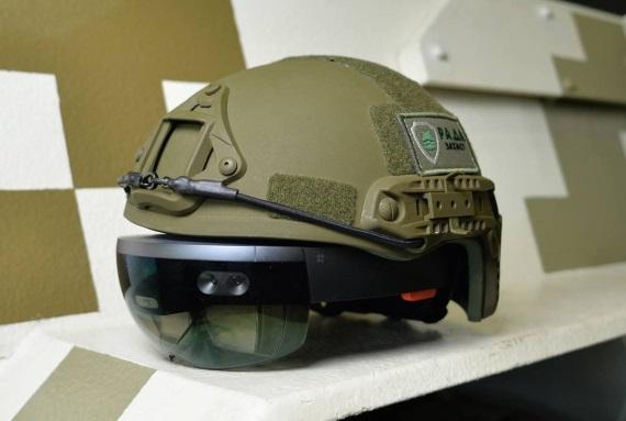 Microsoft spraví Hololens prilby pre US armádu
