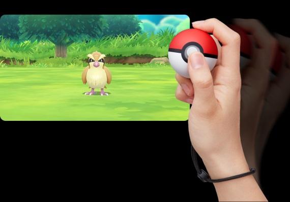 Poké Ball Plus je nový ovládač, ktorým budete chytať Pokémonov