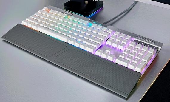 Corsair predstavil vylepšené modely herných klávesníc Strafe RGB a K70 RGB