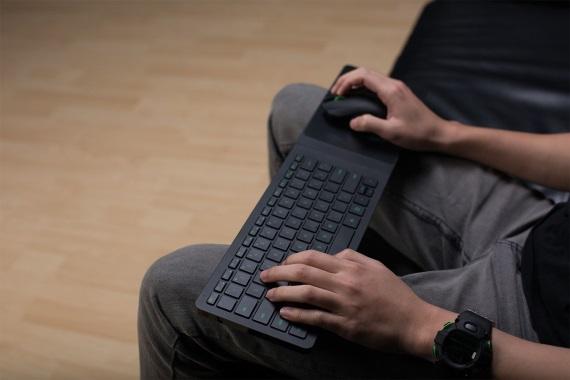 Microsoft sa spojil s Razerom na pridanie myši a klávesnice do Xbox One