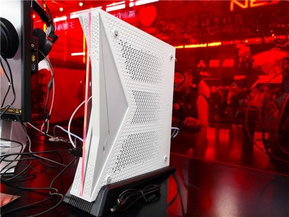 Čínska konzola SUBOR dostáva APU procesor s Ryzenom a Vegou