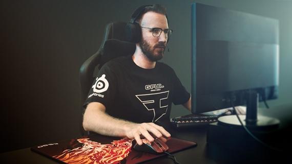 SteelSeries a Valve predstavujú novú hernú myš Rival 310 s podložkou a Counter Strike témou