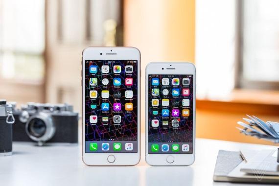 Apple prestalo v Nemecku predávať iPhone 7 a 8