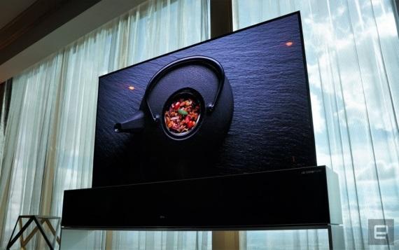 LG ukázalo svoj rolovateľný displej, kúpiť sa bude dať už tento rok