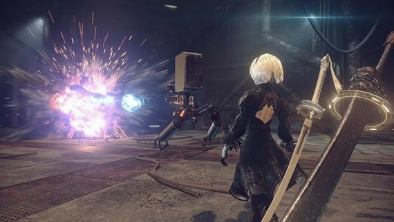 Akčná RPG Nier: Automata bojuje a boduje